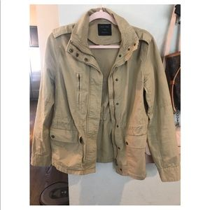 comfortable & light Khaki utility jacket